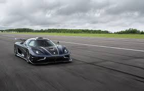 koenigsegg one blue koenigsegg one 1 breaks vmax200 speed record thrice in one day