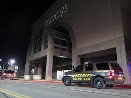 2 hurt in stabbing at mall of america suspect in custody