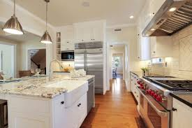 pictures of white shaker style kitchen cabinets white shaker style farmhouse kitchen cabinets