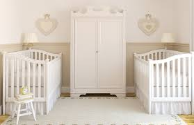comment décorer la chambre de bébé comment decorer chambre bebe fille kirafes