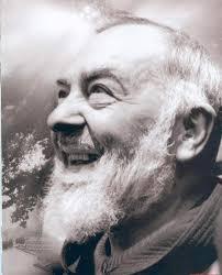 Les Bénédictions de Padre Pio, en Pensées, en Paroles et en Actions (Vidéo) Images?q=tbn:ANd9GcR-HdctaZdg3JmzsMJKNII3_4q9JPAT58Kpg0paA4v-OWhb58lu