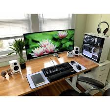 My Cozy Colors Laptop Desk 492 Likes 3 Comments Mal Pc Builds And Setups Pcgaminghub