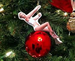diy wrecking ornament