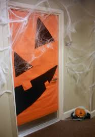 halloween door decorating u2013 bri u0027s batch