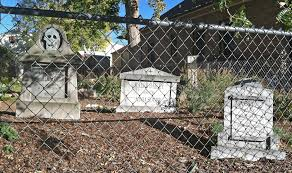 halloween headstones killer scrap wood diy halloween tombstones u2013 i wish i was this