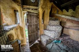the hobbit house aka colins barn urbex behind closed doors inside