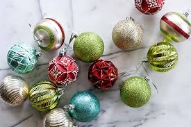 Decorate Christmas Tree Martha Stewart by Bright Black White And Metallic Christmas Decorations