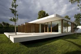 cool modern glass kit house design by applying white and brown cool modern glass kit house design by applying white and brown color as the exterior color materials that will provide the beauty of the exterior design of