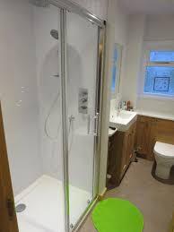 tigh air na creagan accommodation family bathroom overbath shower dual head shower walk in shower
