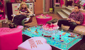 Icarly Bedroom Furniture by 187 Candy Hearts And Chocolate Bars Can U0027t Substitute For The