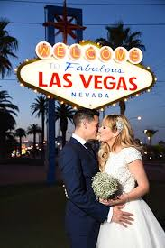 vegas weddings 20 wedding photos you must