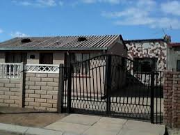 4 5 rooms plus 2 outside rooms u0026 garage house for sale r450k soweto