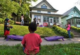 In Front Yard - moving from back yards to front st paul neighbors get acquainted