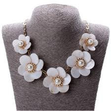 shell necklace with pearl images Necklace with shell flowers with pearls jpg