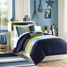 cool blue bedding sheet combined as wells as semi circles pattern