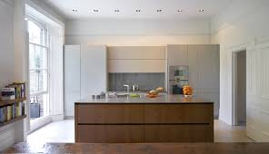 roundhouse urbo matt lacquer kitchen in farrow u0026 ball manor house