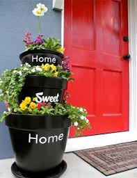 14 awesome diy outdoor planters shelterness