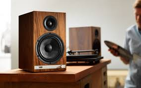 Walnut Bookshelves Hd6 Powered Speakers Walnut Audioengine Tech Pinterest