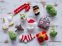 2017 ornament crochet a sewrella