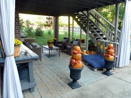 Covered Patio Decorating Ideas by Diy Welcome The Fall With Warm And Cozy Patio Decorating Ideas