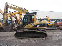 13 ton lgp tracked excavator for hire in scotland