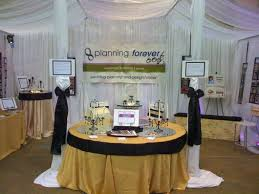 photo booths forever bridal wedding shows bridal show booth displays img 0353 530x397 working a wedding