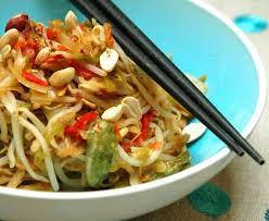 cuisiner un chou chinois pe tsaï chou chinois sauté aux légumes recette de pe tsaï chou