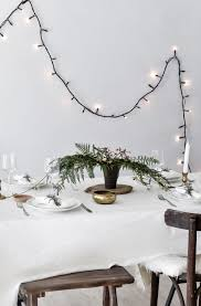 how to style a festive green table for holiday