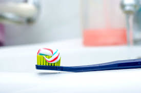 How To Brush Your Teeth 8 Toothbrushing Mistakes Reader U0027s