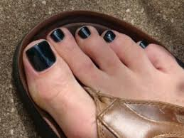men wearing nail polish fad or new trend u2013 thoughts of beauty