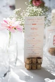 id e menu mariage idée de porte menu avec des bouchons en liège weeding