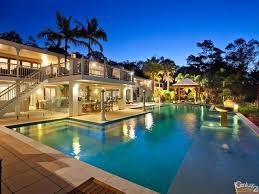 best 25 huge houses ideas on pinterest dream kitchens pools pretty beaches pretty houes cool houses fancy house famous