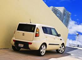 2010 kia soul small car affordability big design on inside