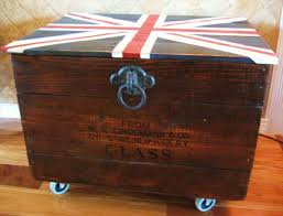 pallet and crate chest with union jack top 99 pallets