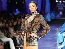 Drape A Sari Trend Alert Drape Your Sari With A Twist Style U0026 Beauty Idiva