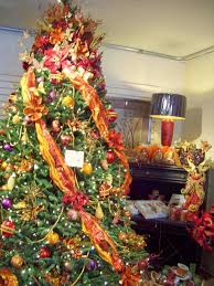 decorated christmas tree with colored lights cheminee website