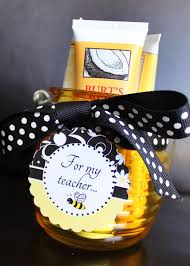 theme gifts 125 best bee autiful gift ideas images on honey bees