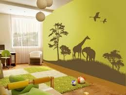 chambre jungle enfant avec les stickers pour chambre bébé vous allez créer une ambiance