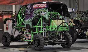 grave digger monster truck schedule grave digger driver hurt in crash at monster truck rally