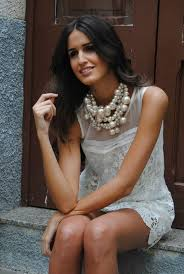 pearls necklace dress images Pearl necklace urban becomes jewelry trends 2014 celebrity jpg