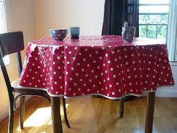 nappe ronde tissu enduit nappe ronde en toile cirée rouge avec étoiles blanches