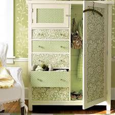 carta da parati su armadio decorare i mobili con la carta da parati eticamente net