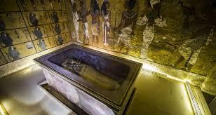 la chambre secrete la tombe de toutankhamon pourrait bien révéler une chambre secrète