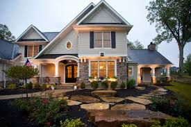 Bi Level Home Exterior Makeover by 25 Best Ideas About Split Level Exterior On Pinterest Exterior