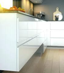 cuisine sans poignee poignee de meuble cuisine poignee meuble de cuisine poignees de
