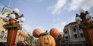 how to celebrate halloween at disneyland resort