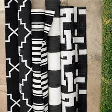 Stripe Indoor Outdoor Rug Riviera Stripe Indoor Outdoor Rug Black Williams Sonoma