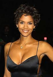 back view of halle berry hair halle berry pixie cuts halle berry pixie halle and pixie cut