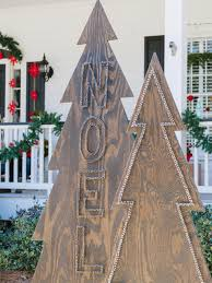 Easy To Make Christmas Decorations For Outside by How To Make Rustic Nail Head Christmas Trees Hgtv