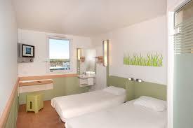 chambre hotel ibis budget ibis budget poitiers nord chasseneuil du poitou hôtels dans la